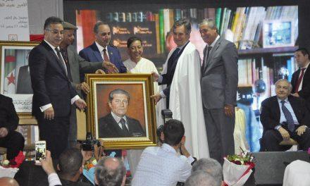 Raymond Chrétien reçoit le prix Émir Abdelkader pour le vivre-ensemble